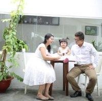 Tầm quan trọng của mối quan hệ một vợ một chồng hãy trao đổi và dạy con trẻ giá trị gia đình.