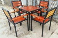 Báo giá bàn ghế gỗ chân sắt quán ăn, nhà hàng, quán nhậu giá xưởng tại TP HCM