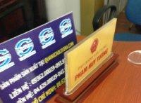 Kệ chức danh để bàn giá rẻ tiện lợi sang trọng  tại Quảng Cáo Livina