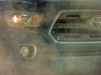 Toyota trêu Tacoma (Một lần nữa), Lần này hiển thị Mặt trước đầy bụi bặm thay vì bùn