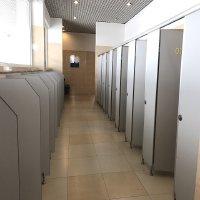 Vật liệu vách ngăn vệ sinh compact hiện đại, sang trọng