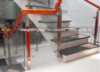 Lựa chọn mẫu cầu thang kính cho nhà đẹp tại Hà Nội