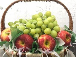 Quà tặng 20/10 ý nghĩa: Giỏ trái cây nhập khẩu cao cấp
