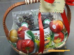Đặt giỏ trái cây TPHCM - Quà tặng vợ kỷ niệm 1 năm ngày cưới