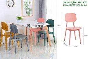 Bộ bàn ăn 4 ghế cho gia đình tại chung cư mini HCM