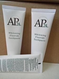 Chăm Sóc Sức Khỏe Răng Miệng Hàng Ngày với Kem Đánh Răng AP24