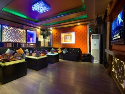 Phòng VIP 406 - Karaoke Tom
