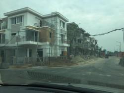 Khổ sở nhà mới xây đã phải vá vì không chi tiền thiết kế