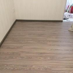 Giá sàn nhựa giả gỗ