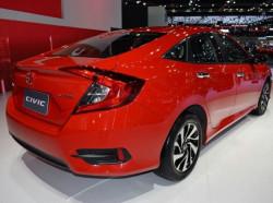 Giá lăn bánh Honda Civic 1.8E 2018 nhập khẩu Thái Lan