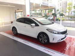 Đánh giá xe Kia Cerato 1.6 AT (K3 1.6at) 2017-2018