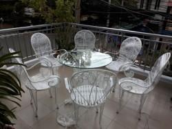 Những mẫu bàn ghế phù hợp với quán cafe ngoài trời
