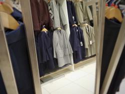 Mẫu tủ quần áo gỗ tự nhiên giá dưới 10 triệu đáng mua