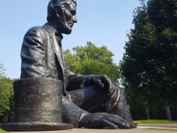 Lời đáp trả của Tổng thống Lincoln khi bị gọi là 'thằng đóng giày'