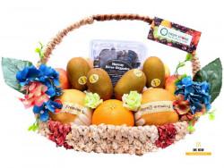 Giỏ trái cây làm quà tặng vợ kỷ niệm ngày cưới