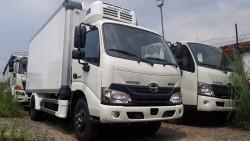 Giá xe tải Hino 4 tấn tại TPHCM