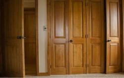 Ưu nhược điểm khi chọn mua cửa gỗ công nghiệp