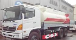 Đánh giá xe xitec chở xăng dầu 18m3 Hino