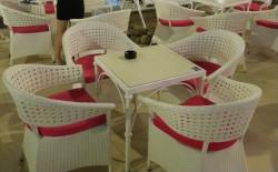 Chủ quán kinh doanh cần phải biết 4 nguyên tắc chọn mua bàn ghế cafe tốt nhất