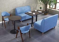Nên mua sofa gỗ hay sofa nệm cho phòng khách gia đình?