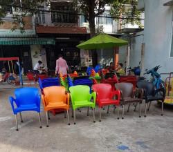 Vì sao bàn ghế nhựa cafe đang trở thành xu hướng sử dụng những năm gần đây?