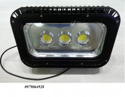 Đèn pha led 150W thấu kính tán quang