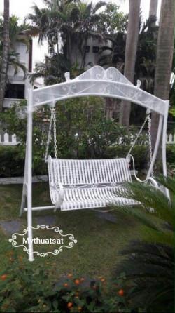 Xích đu sắt sân vườn – Sản phẩm ngoại thất tuyệt vời cho gia đình bạn