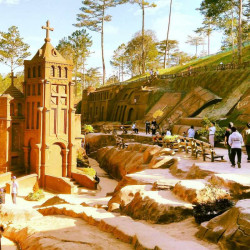5 bí mật thú vị về đường hầm đất sét Đà Lạt