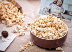 Thành phần dinh dưỡng và lợi ích sức khỏe bất ngờ của bỏng ngô