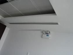 Tư vấn giải pháp lắp đặt máy lạnh giấu trần nối ống gió phù hợp nhất cho các công trình yêu cầu thẩm mỹ cao.