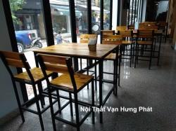 Công ty nội thất Vạn Hưng Phát chuyên sản xuất và phân phối các loại bàn ghế nhà hàng