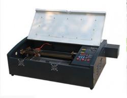 Nên mua máy laser khắc dấu loại nào là tốt nhất hiện nay?
