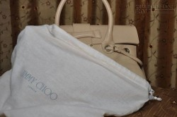 12 cách làm sạch túi xách công sở da trở nên sáng bóng