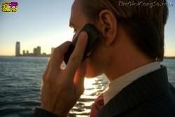 3 thói quen dùng điện thoại gây hại cho sức khỏe