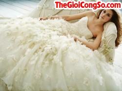 Tại sao váy cưới có màu trắng?