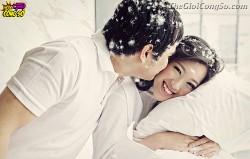 6 gợi ý cách tạo dáng chụp ảnh cưới ấn tượng trong nhà