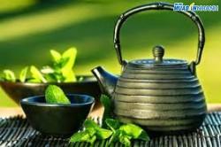 Bánh ngọt và trà xanh