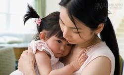 Khổ tâm vì chồng thành kiến với con gái