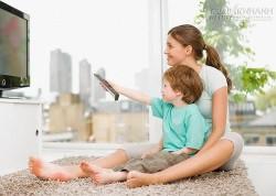 Không nên để trẻ nhìn vào màn hình quá lâu
