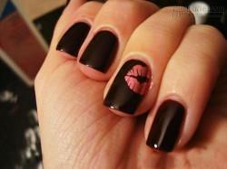 Nail hồng ngọt lịm hình đôi môi