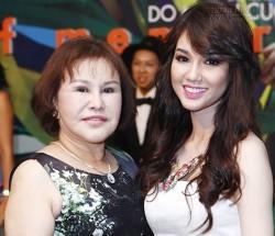 Nữ đại gia Diệu Hiền (bên trái) cùng con dâu Quỳnh Chi