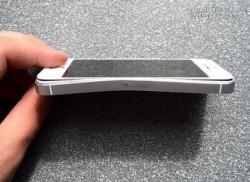 IPhone 5S cứu mạng chủ nhân trong vụ tai nạn giao thông