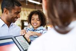 Ba bài học tiền bạc cha dạy con trai