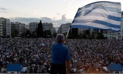 Dân Hy Lạp ồ ạt rút tiền