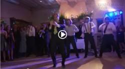 Điệu nhảy cực vui nhộn và bất ngờ của chú rể