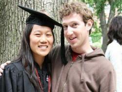Bóng hồng sau tỷ phú: Cô vợ kém xinh của ông chủ Facebook