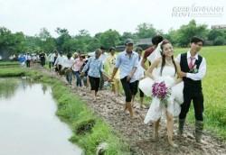 Những màn rước dâu trong mưa lũ xúc động rớt nước mắt