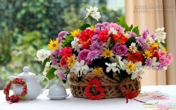 Mẹo cắm hoa tươi lâu chị em nên biết