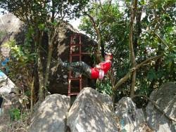 Dân mạng phát sốt vì bí kíp ngủ trên dây của nữ phượt thủ Việt