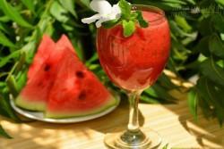 Mẹo ăn dưa hấu đúng cách và không hại sức khỏe